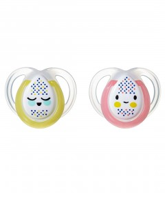 Tommee Tippee Closer to Nature Night Time Soother 0-6mths - 2 Pack
